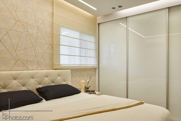 תאורת לד היקפית מרככת את האוירה בחדר השינה. בהדלקה נפרדת-פרופיל תאורה- לתאורה חזקה.