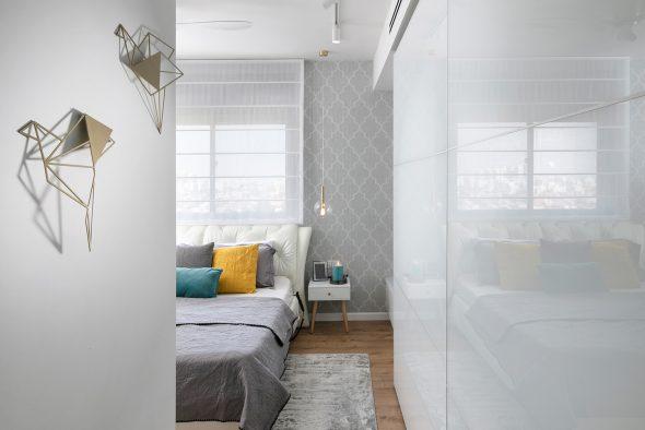 מבט אל חדר שינה הורים-מהכניסה לחדר.
